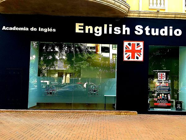 ENGLISH STUDIO DENIA